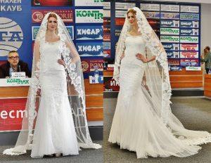 """Моника Манолова представя модел """"Ирен""""."""