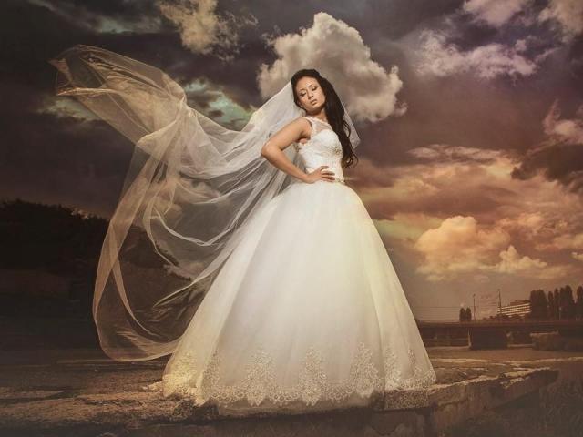 bulchinski_rokli_chuchev_сватбени_рокли (1)